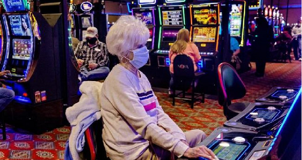 play slot with face mask